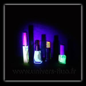 lampe torche uv 21 leds. Black Bedroom Furniture Sets. Home Design Ideas